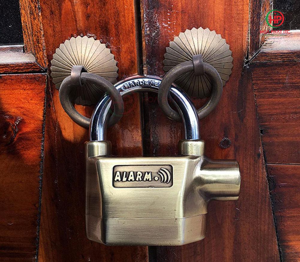 ung dung o khoa chong trom 1 - Ổ khóa chống trộm hai lõi k-8325