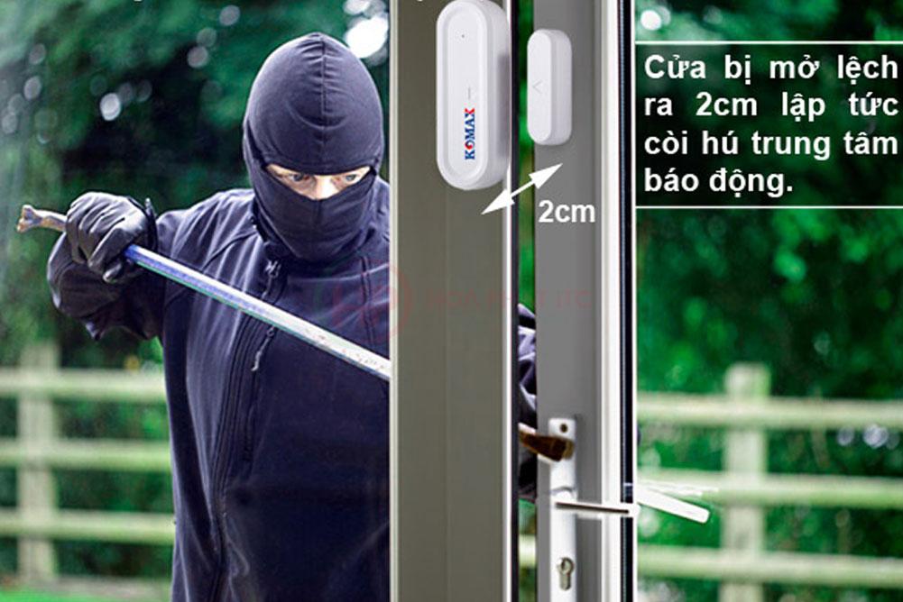 cong tac cua tu trong bo chong trom trung tam komax km t55 - Tư vấn chọn mua thiết bị chống trộm phù hợp nhất